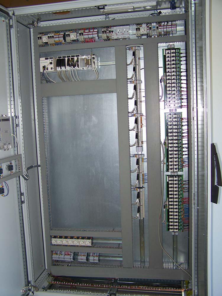NOS COMPETENCES-RUBRIQUE CABLAGE-Cablage-d armoire-electrique-de-commande
